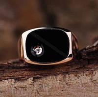 Золотое мужское кольцо (фианит,оникс)