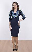 Модное вышитое платье с голубыми лилиями