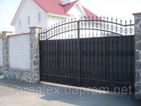 Ворота с элементами ковки Каменское