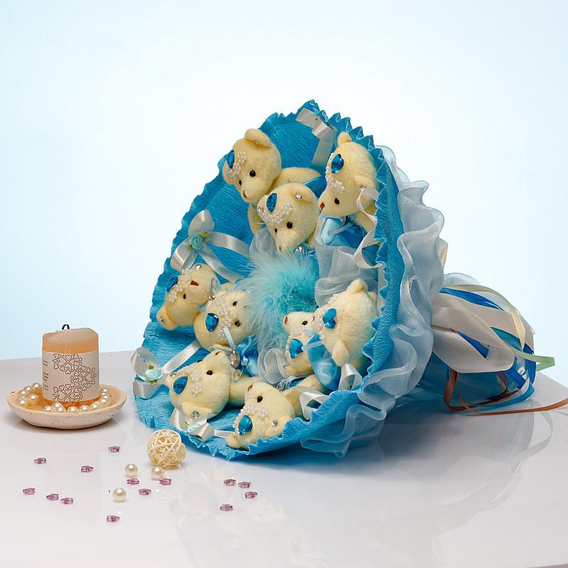 Букет из игрушек Мишки 9 в голубом с бантами