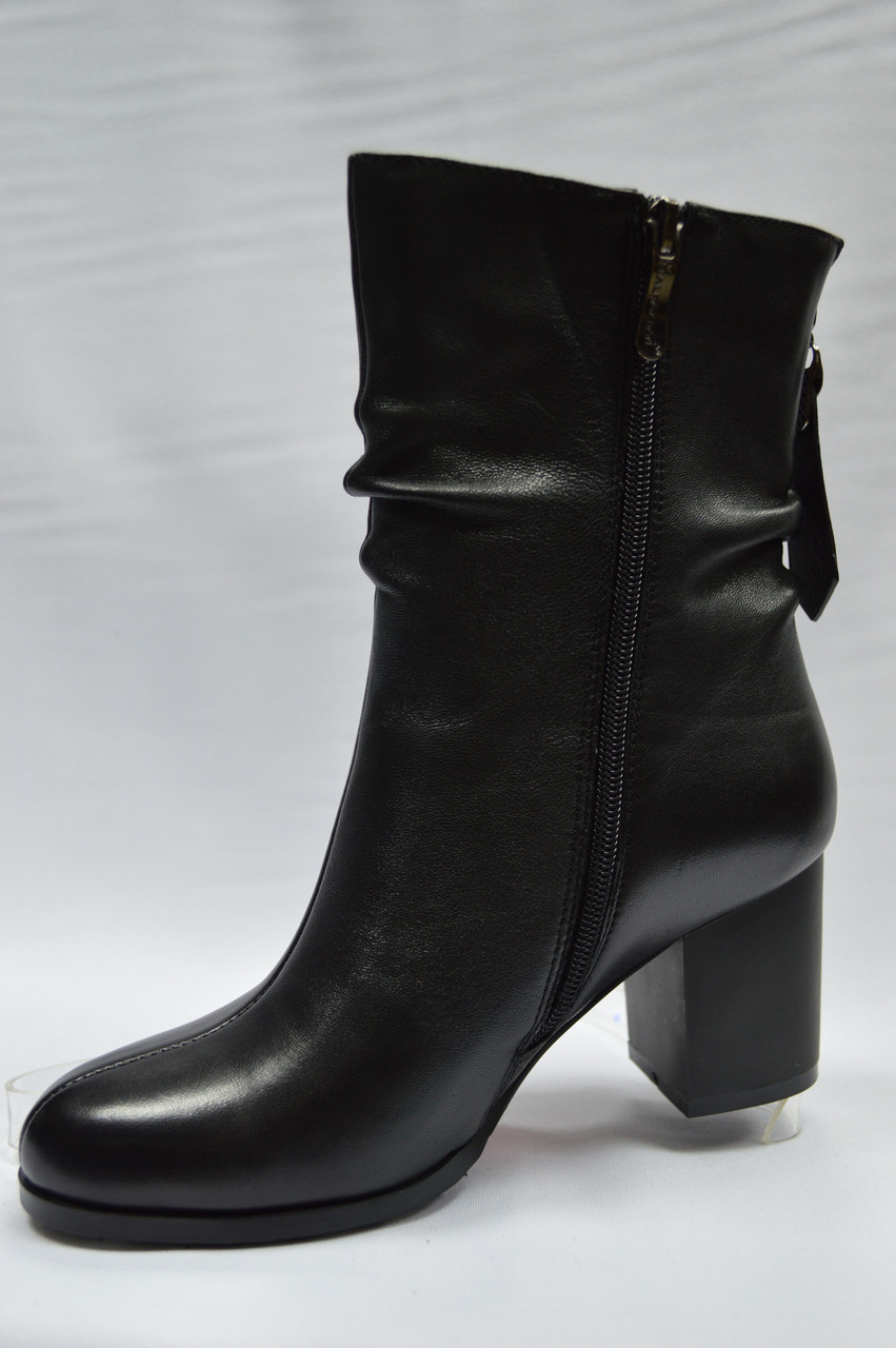 Черные кожаные сапоги с широким голенищем Malrostti.