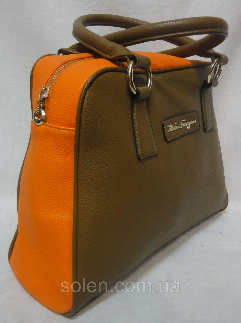Женская стильная сумка из кожзаменителя .