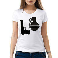 Женская футболка «Love guns»