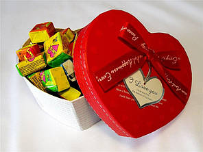 Жвачки Love is в коробочке Мини