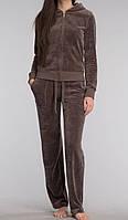 Женский велюровый костюм на змейке с капюшоном коричневый