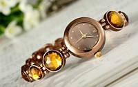 Стильные, нежные наручные часы с камнями