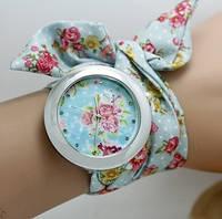 Нежные наручные женские часы на ленте