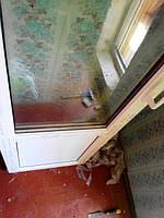 """Балконные пластиковые двери Рехау с заполнением нижней части сендвич-панелью - """"Окна Маркет"""""""