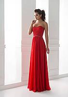 Исключительно сочное вечернее платье с сердцеобразном привлекательном вырезом и моделирующим корсетом