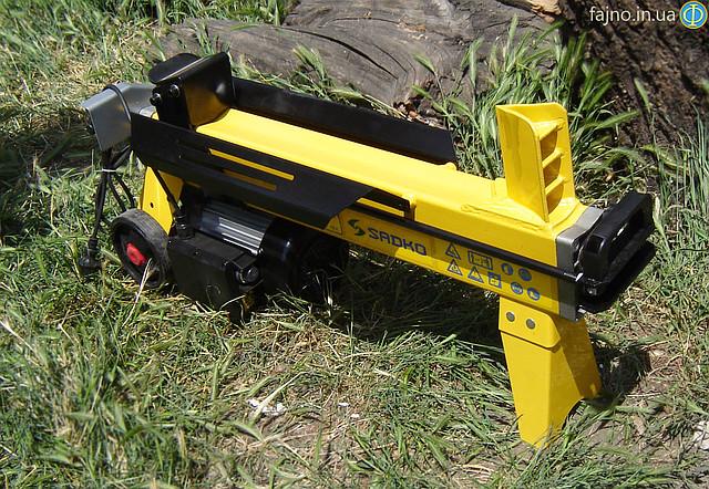 Электрический дровокол Sadko ELS-2200