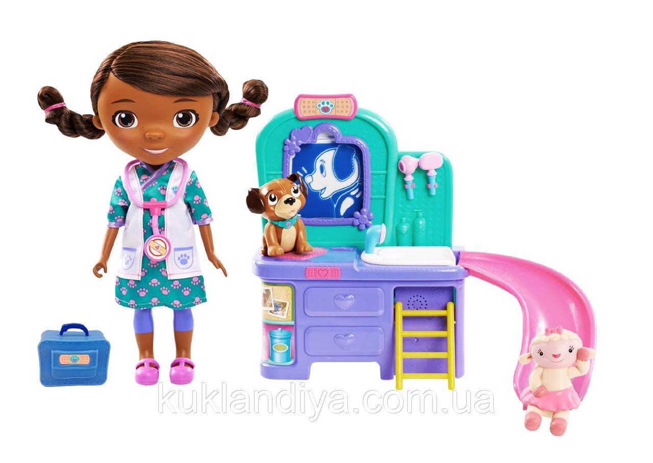 Doc McStuffins Інтерактивна лялька доктор Плюшева з інтерактивною клінікою