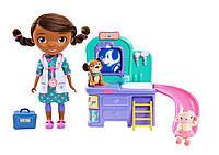 Doc McStuffins Интерактивная кукла доктор Плюшева с интерактивной клиникой