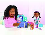 Doc McStuffins Інтерактивна лялька доктор Плюшева з інтерактивною клінікою, фото 2
