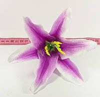 Головка лилии