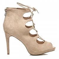 Женские замшевые туфли бежевые на шпильке с завязками