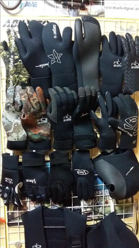 """Перчатки для подводной охоты различной толщины в магазине """"SCUBA-SHOP"""""""