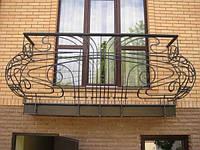 Ограждение балкона с орнаментом