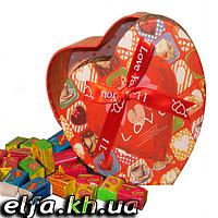 Жвачки Love is... в подарочной упаковке 100 шт
