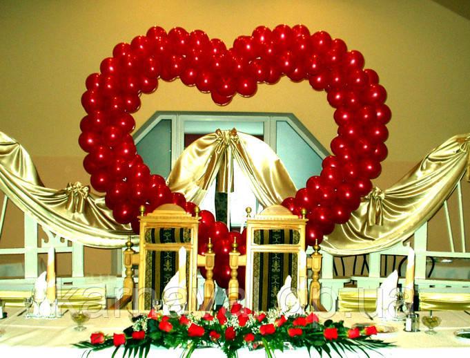 Весільні серця з повітряних та гелієвих кульок