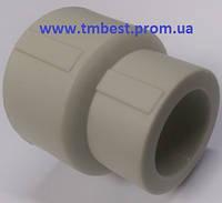 Муфта редукционная полипропиленовая ппр диаметр 25х20 для перехода труб по диаметру.