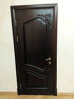 Двери с резным декором