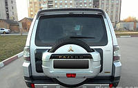 Спойлер на крышку багажника Mitsubishi Pajero Wagon, под покраску (производитель LINGWEI Китай)