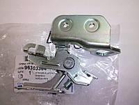 Механизм замка багажника нижняя часть Ланос GM