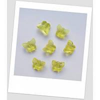 Бусина бабочка акриловая прозрачная, 14 х 12 мм, цвет лимонный.