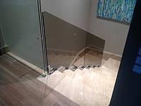 Стеклянное ограждение лестницы в частном доме