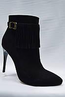 Замшевые черные  ботиночки на каблуке Malrostti.
