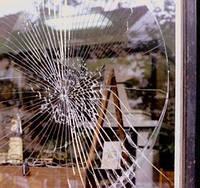 Защитные пленки  для окон  и витрин с поклейкой, замерами и полной консультацией