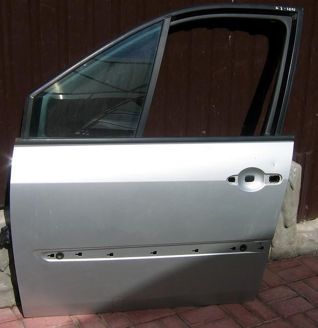 Дверь передняя левая Renault Scenic II (Рено Сценик 2)