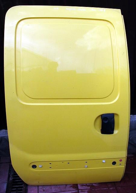 Задняя сдвижная правая дверь Renault Kangoo ( Рено Кенго)