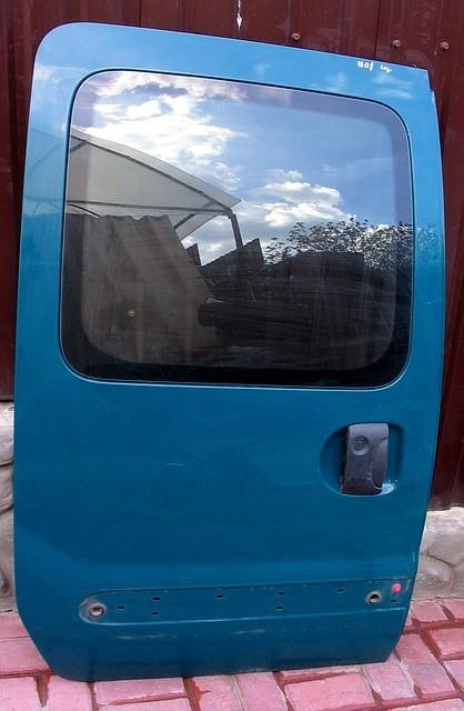 Задняя правая дверь Renault Kangoo ( Рено Кенго)