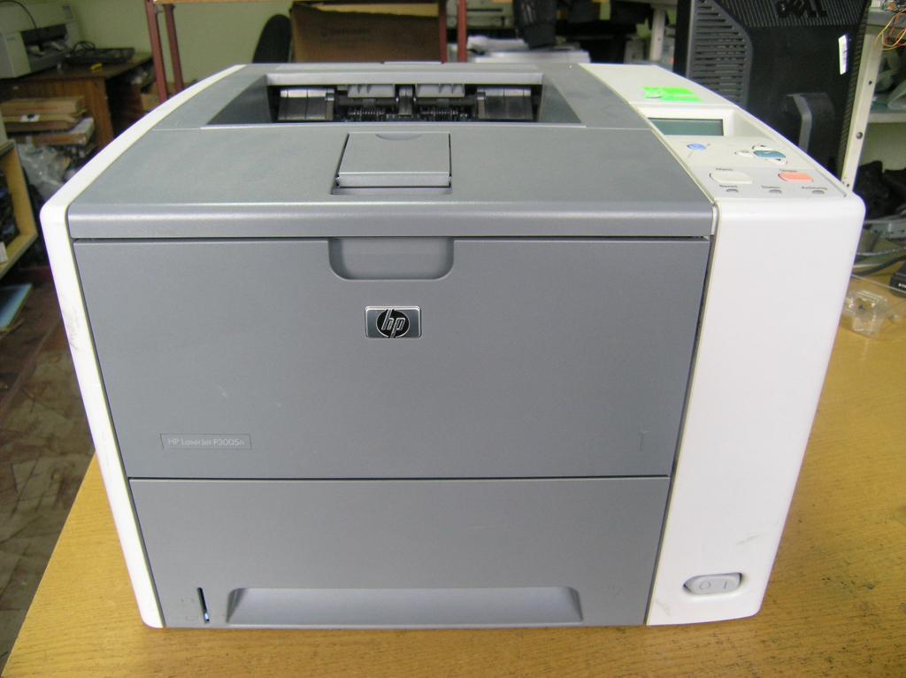 Принтер лазерный НР3005, нерабочий, на запчасти