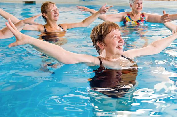 Третий уровень подготовки инструкторов аквааэробика ― силовой аквафитнес