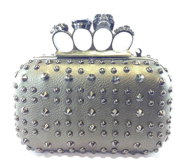 5e3408700987 Женская сумка клатч кастет 63 с шипами и черепами , цена 405 грн ...