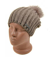 Женская вязанная шапка бежевая