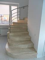 Изготовление лестницы из травертина