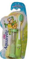 Зеленая зубная щетка для детей Aquarelle с песочыными часами