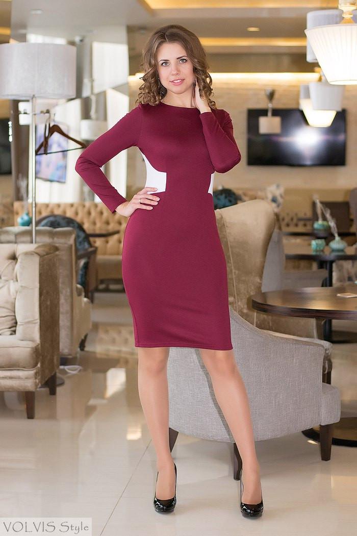Платье женское с белыми вставками и вырезом на спине - Бордовый