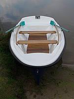 Лодка гребная П 450