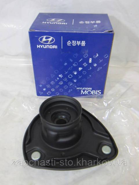 Опора стойки передняя правая Hyundai Accent 546101G550