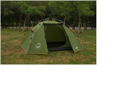 Трехместная палатка Weekender со стеклопластиковым каркасом