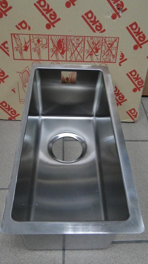 Мойка под столешницу из нержавеющей стали Тека Radea 18 х 40 R10 подстольного монтажа
