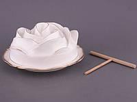 """Блюдо для блинов с крышкой и лопаткой 26х5 см. """"Лепестки розы"""" белый, фарфор"""