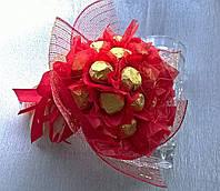 """Букет композиция цветы из конфет """"Пламя"""" с конфетами """"Ферерро"""""""