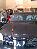 Лобовое стекло  Mitsubishi Outlander XL (2008-2012)