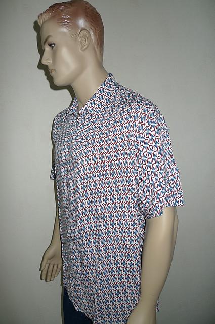 Модная рубашка с коротким рукавом