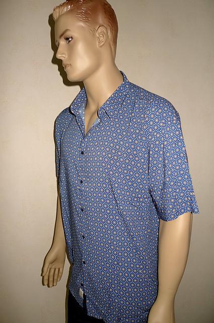 Модная синяя мужская рубашка короткий рукав
